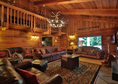 16705 Brown Rd Leavenworth WA-large-008-8-Living Room-1500x1000-72dpi
