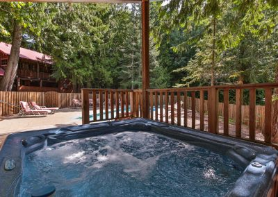 16705 Brown Rd Leavenworth WA-large-031-31-Hot Tub-1500x1000-72dpi