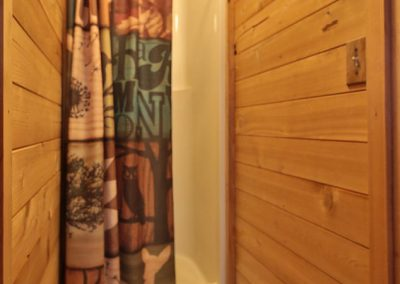 16705 Brown Rd Leavenworth WA-large-036-36-Shower-634x1000-72dpi