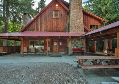 16705 Brown Rd Leavenworth WA-large-002-2-Front Porch-1499x1000-72dpi